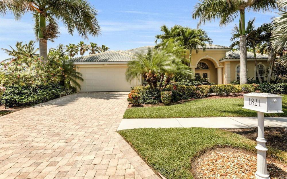 1821 Lagoon Ln, Cape Coral - House For Sale 908626011