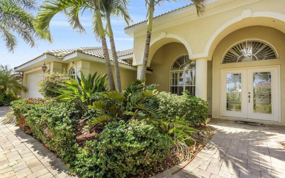 1821 Lagoon Ln, Cape Coral - House For Sale 38230576