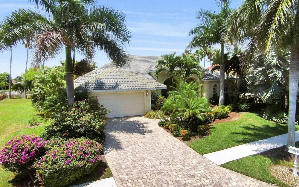 1821 Lagoon Ln, Cape Coral - House For Sale 2005431843
