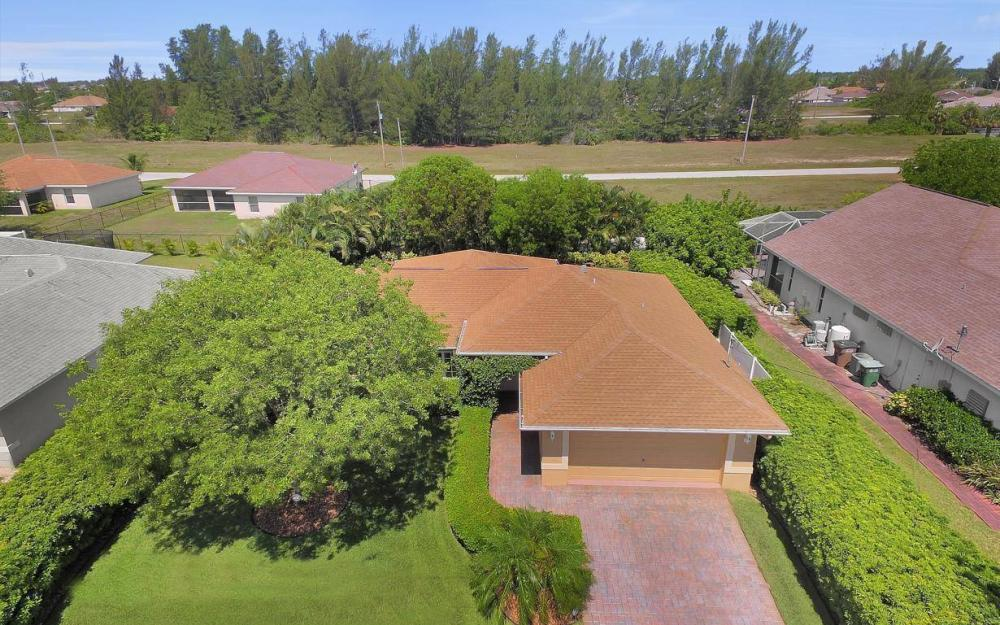 1120 NW 19th Pl, Cape Coral - House For Sale 1202409933