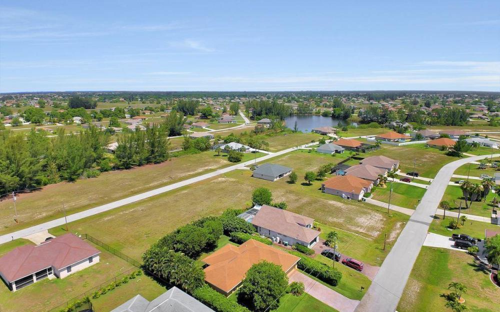 1120 NW 19th Pl, Cape Coral - House For Sale 1100380614