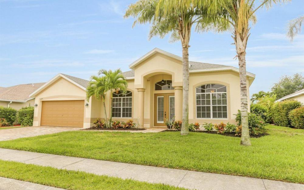 14879 Calusa Palms Dr, Fort Myers - House For Sale 2116258702