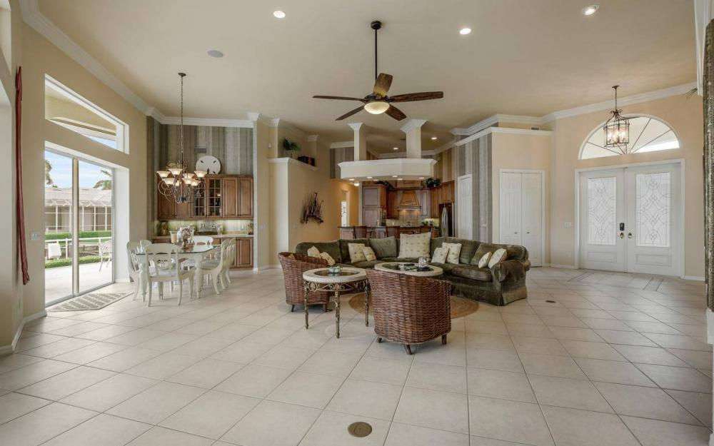 153 Peach Ct, Marco Island - House For Sale 1125985186