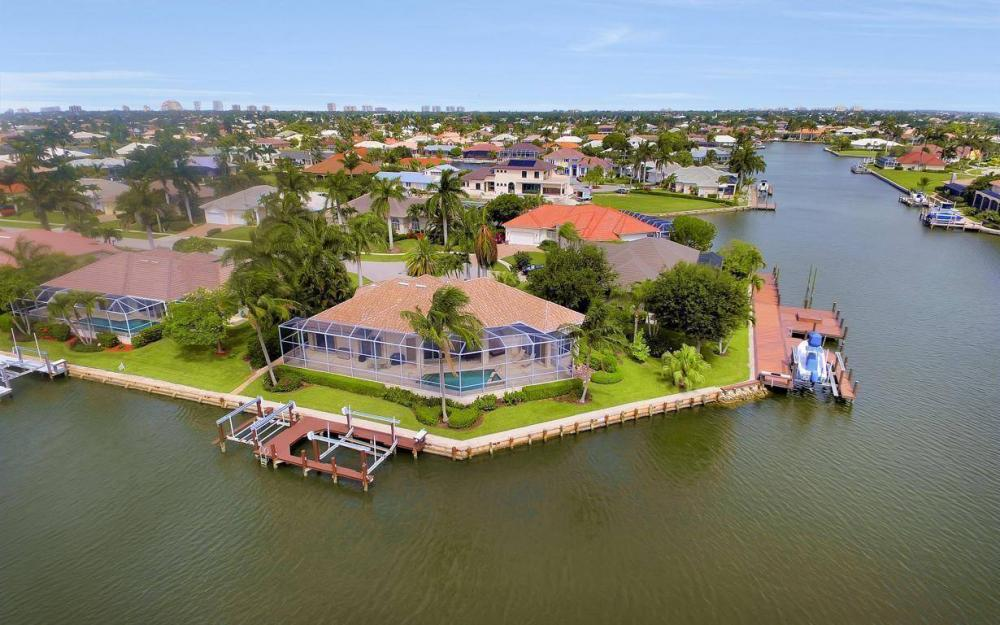 153 Peach Ct, Marco Island - House For Sale 1609322905