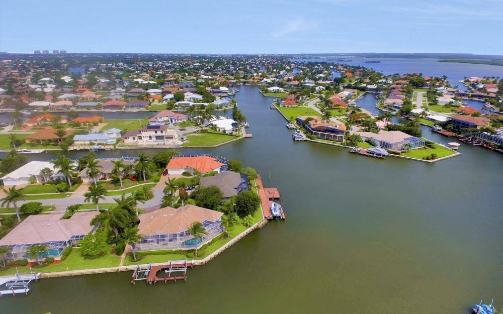153 Peach Ct, Marco Island - House For Sale 1904612278