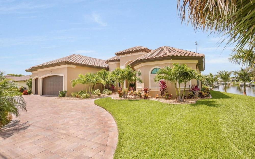 504 Mohawk Pkwy, Cape Coral - House For Sale 405631781