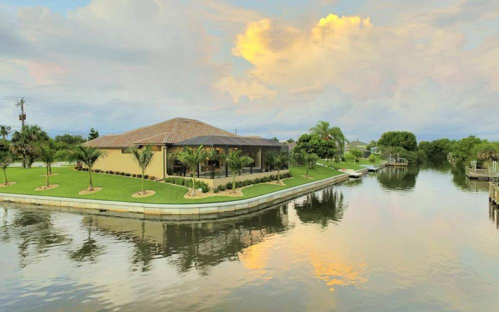 504 Mohawk Pkwy, Cape Coral - House For Sale 1945322342