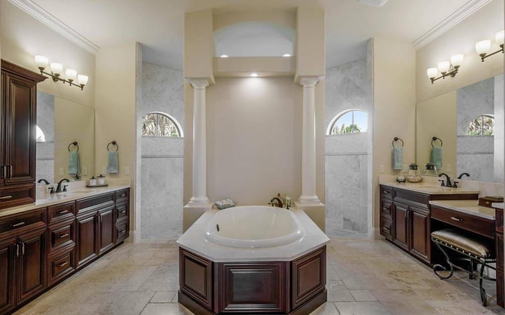 504 Mohawk Pkwy, Cape Coral - House For Sale 545246713