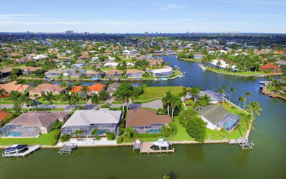 237 Windbrook Ct, Marco Island - House For Sale 335969024