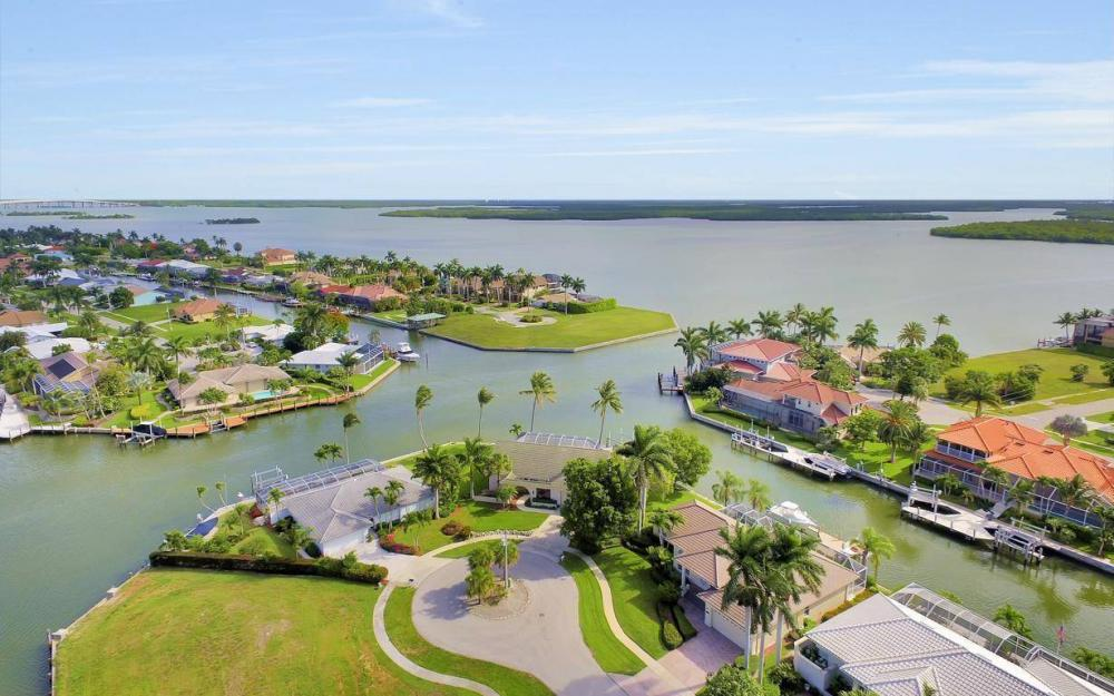 237 Windbrook Ct, Marco Island - House For Sale 1366155085