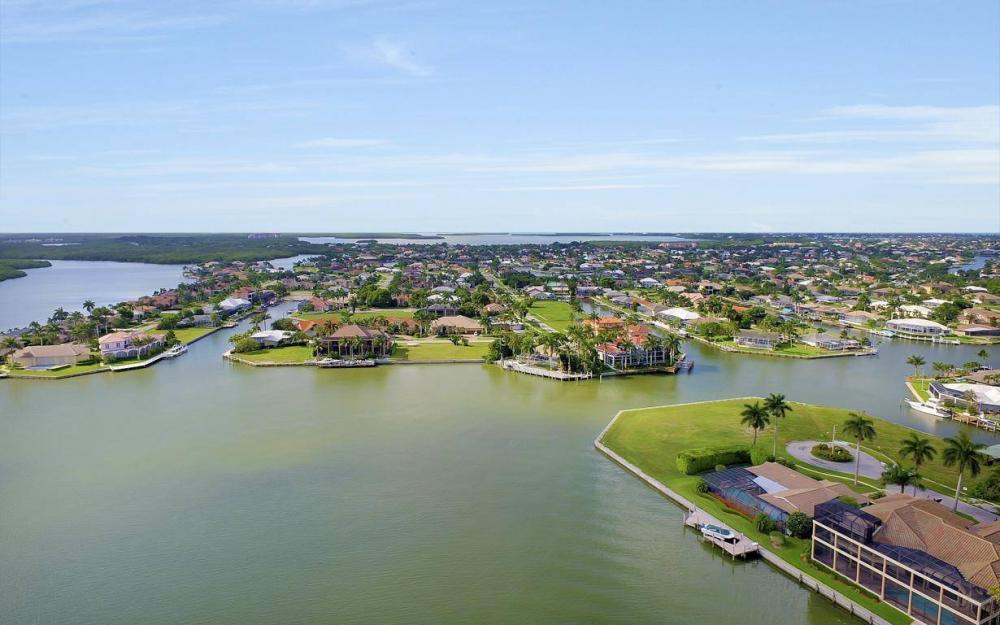237 Windbrook Ct, Marco Island - House For Sale 914527590