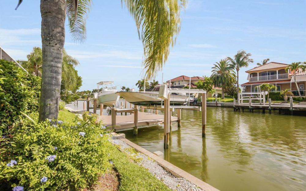 237 Windbrook Ct, Marco Island - House For Sale 627125404
