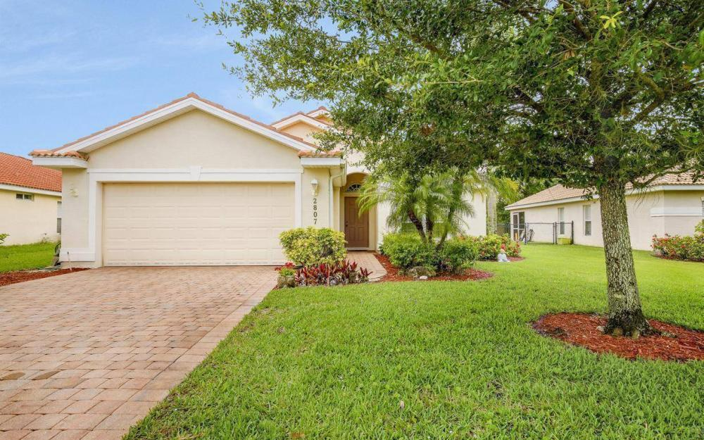 2807 Orange Grove Trail, Naples - House For Sale 2104145744