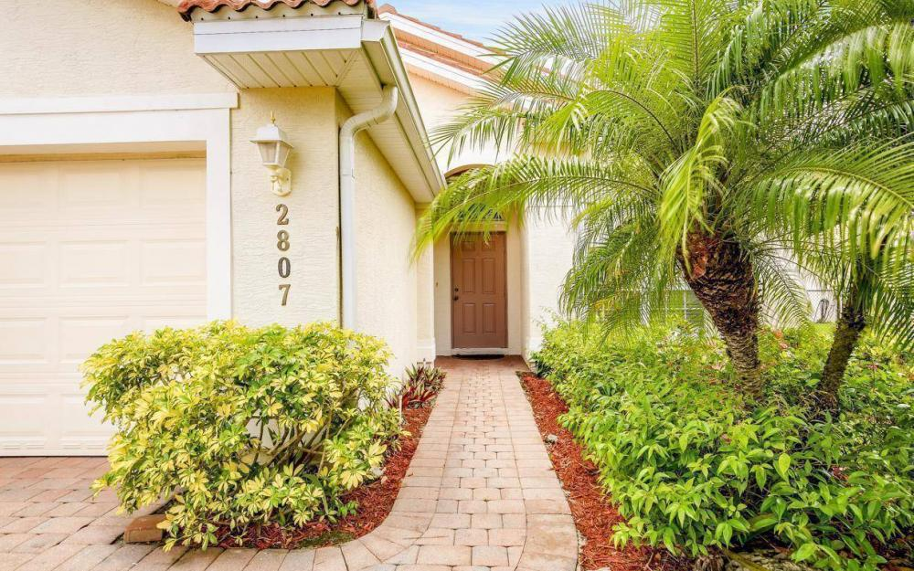 2807 Orange Grove Trail, Naples - House For Sale 1142282080