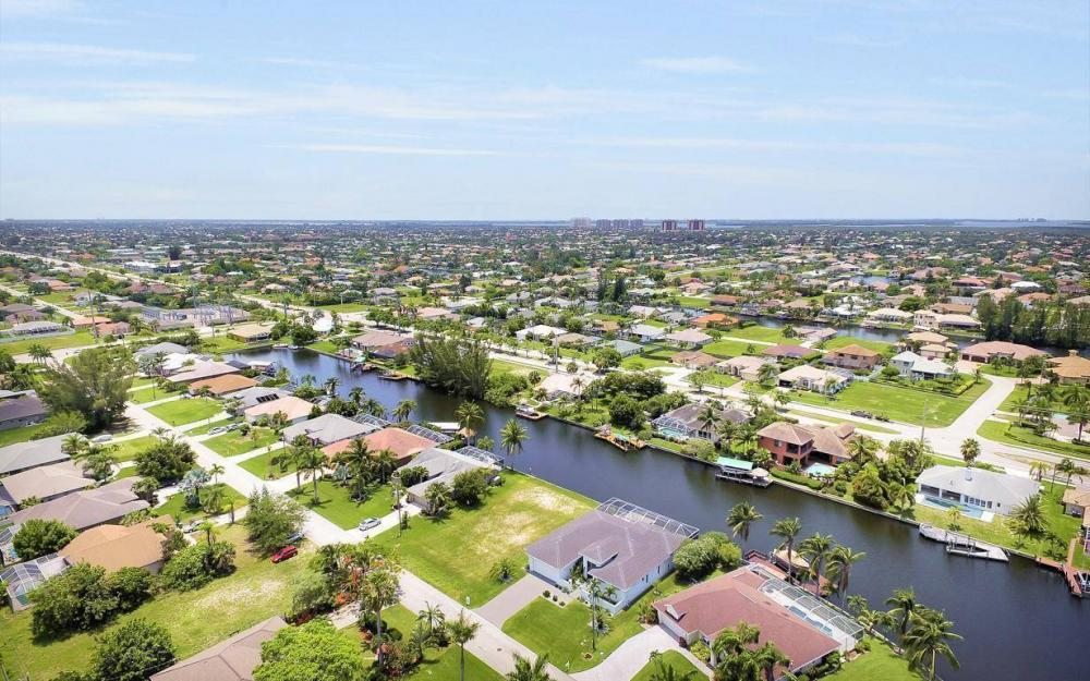 2212 SW 47th Terrace, Cape Coral - House For Sale 867477158