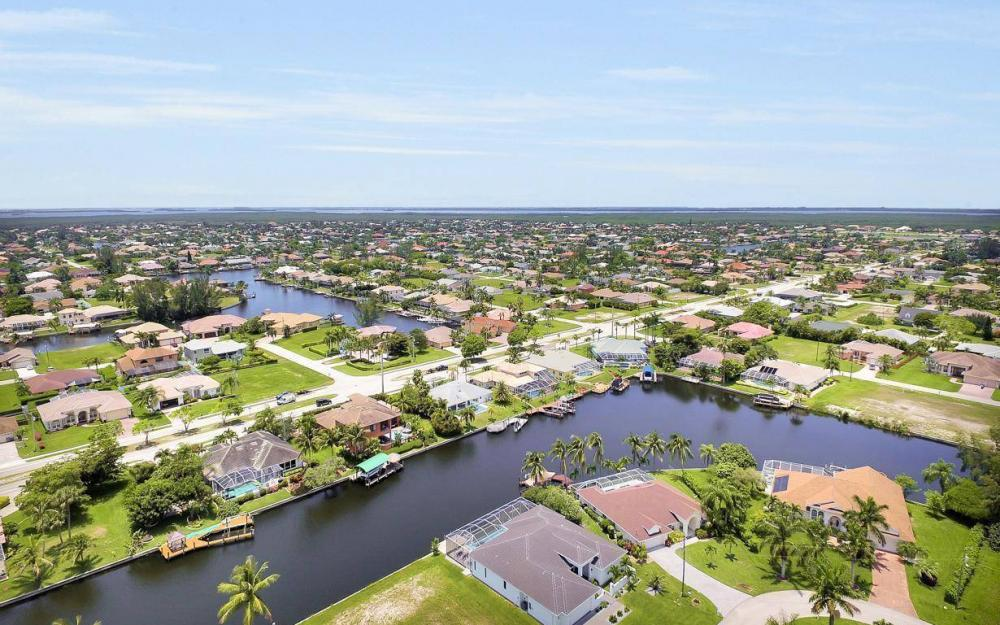 2212 SW 47th Terrace, Cape Coral - House For Sale 950773334