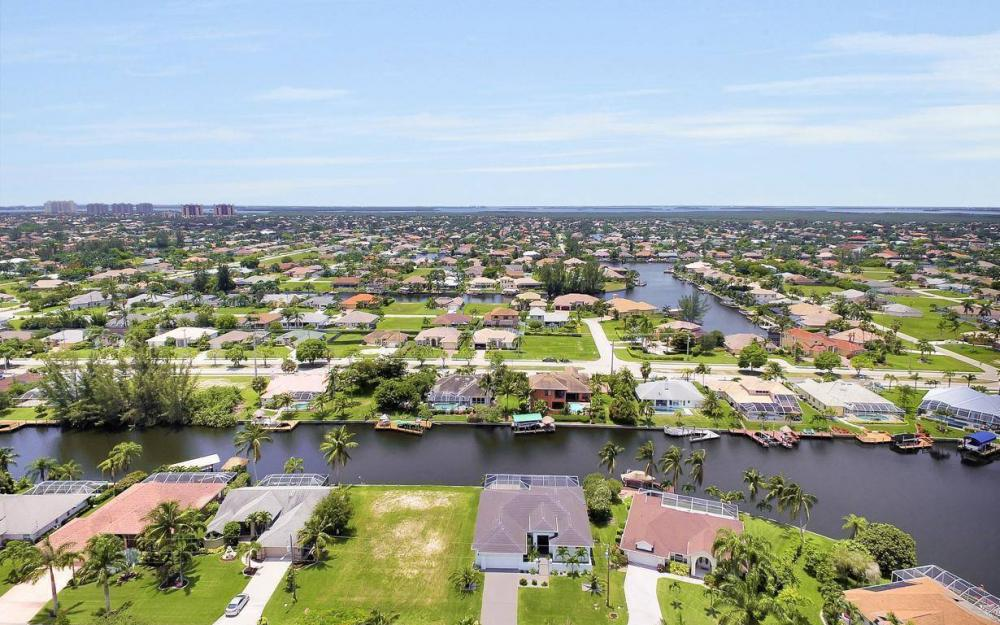 2212 SW 47th Terrace, Cape Coral - House For Sale 1580339320