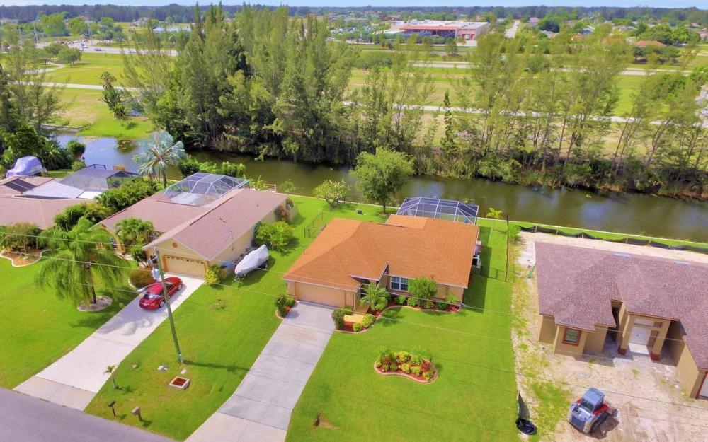 840 SW 23rd St, Cape Coral - House For Sale 1072612395