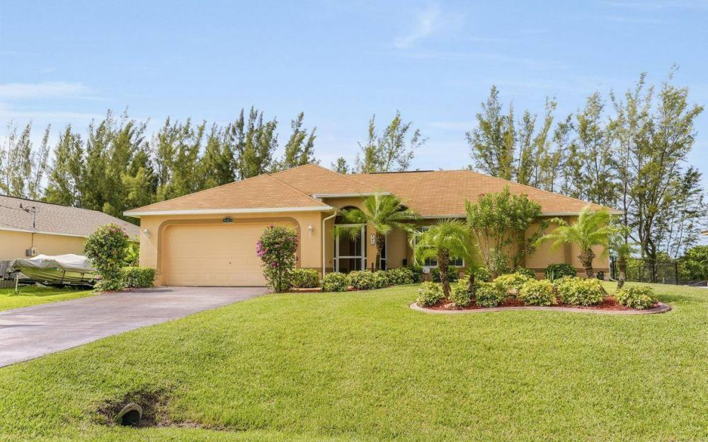 840 SW 23rd St, Cape Coral - House For Sale 1638743832