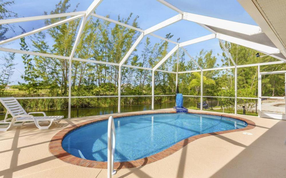 840 SW 23rd St, Cape Coral - House For Sale 380165263