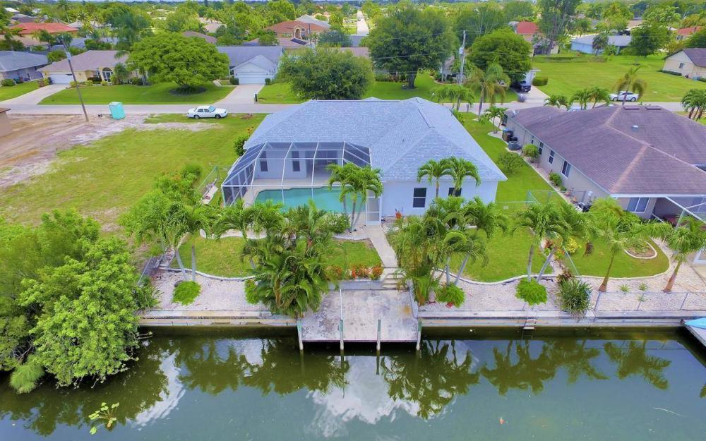 432 SE 9th Pl, Cape Coral - Home For Sale 1456101605