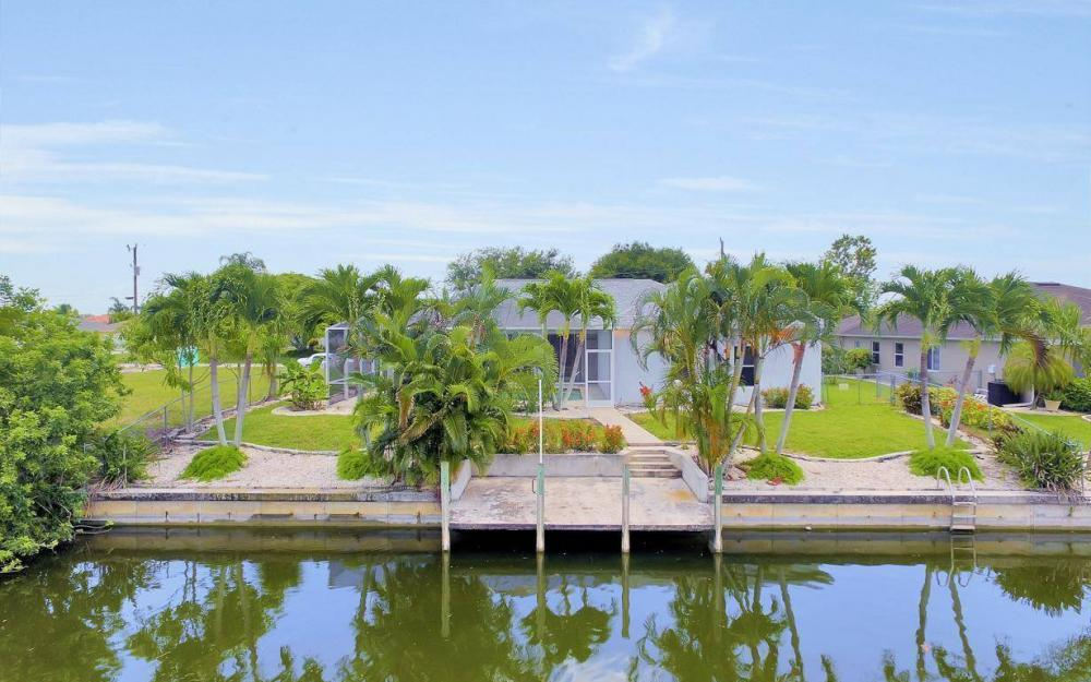 432 SE 9th Pl, Cape Coral - Home For Sale 417594724