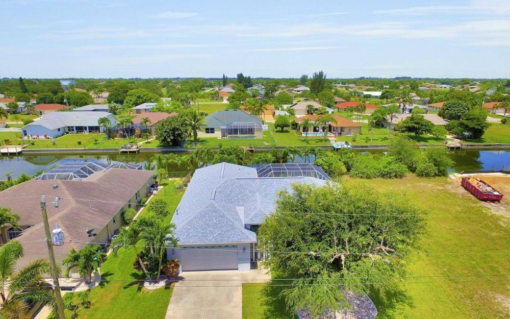 432 SE 9th Pl, Cape Coral - Home For Sale 2097171494