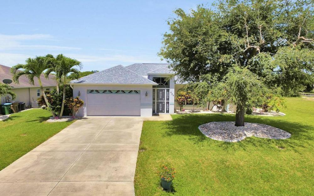 432 SE 9th Pl, Cape Coral - Home For Sale 2784082