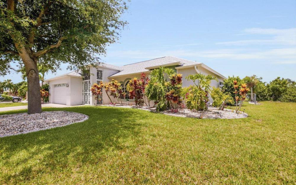 432 SE 9th Pl, Cape Coral - Home For Sale 1486151097