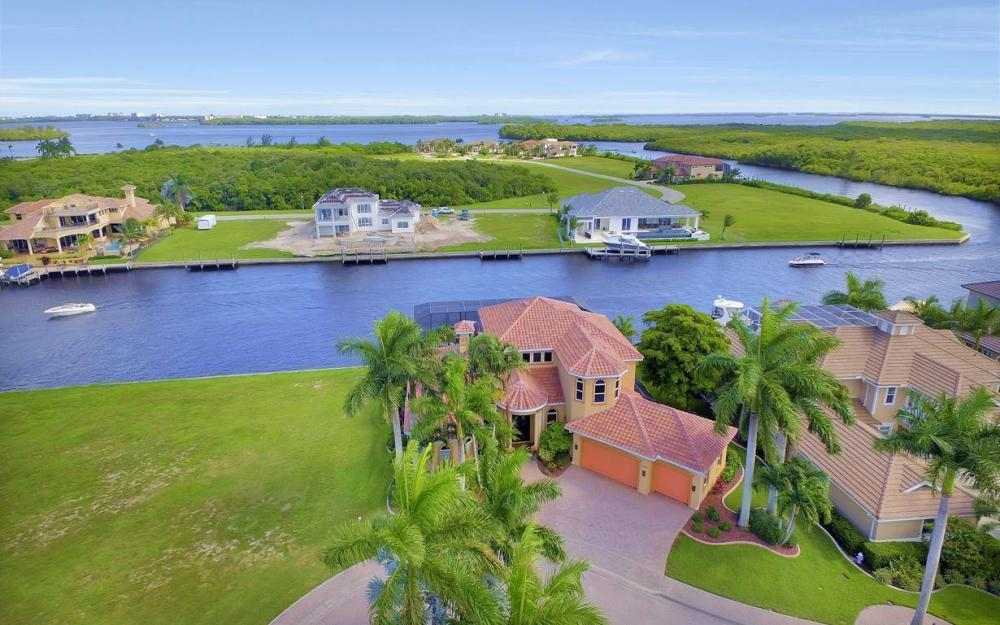 1506 Hermitage Ln, Cape Coral - Estate Home For Sale 1702940955