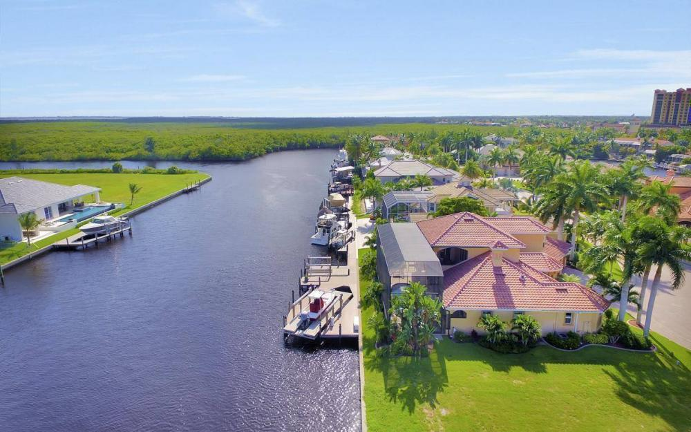 1506 Hermitage Ln, Cape Coral - Estate Home For Sale 428651216