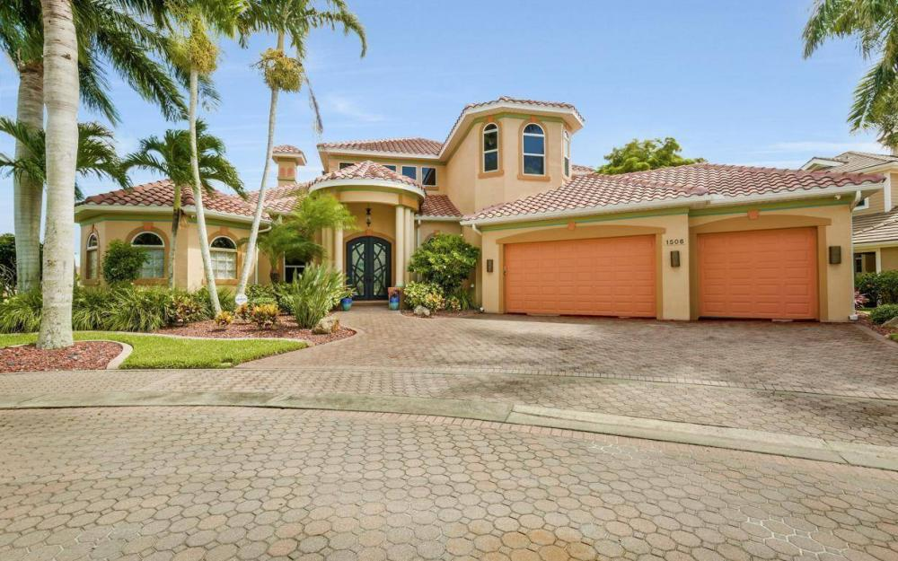 1506 Hermitage Ln, Cape Coral - Estate Home For Sale 1140217231