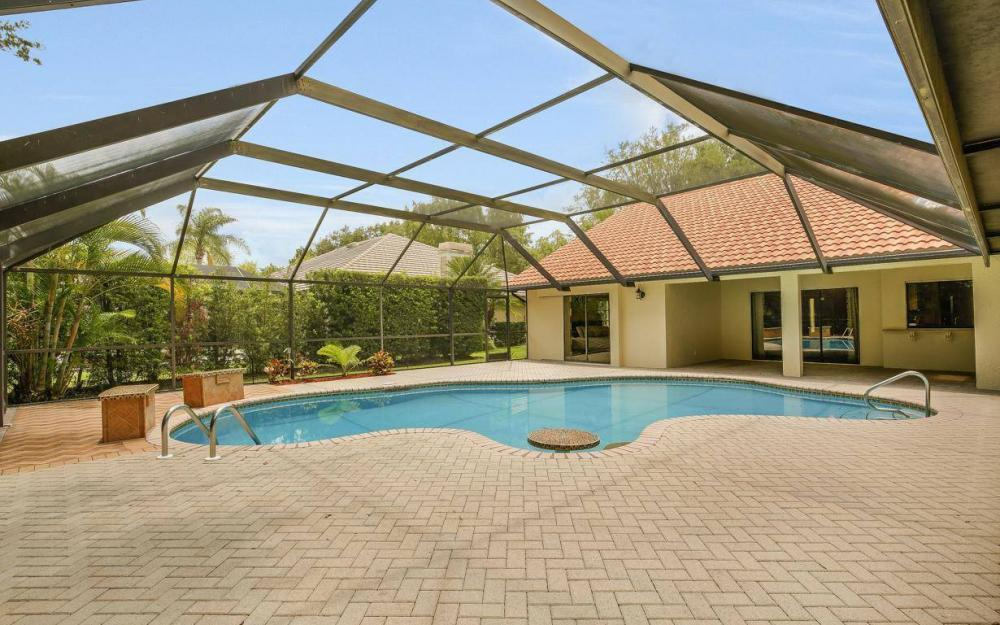 210 Monterey Dr, Naples - Home For Sale 611926590
