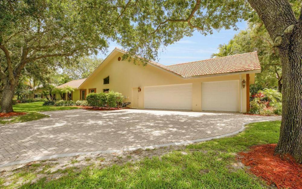 210 Monterey Dr, Naples - Home For Sale 1638079263