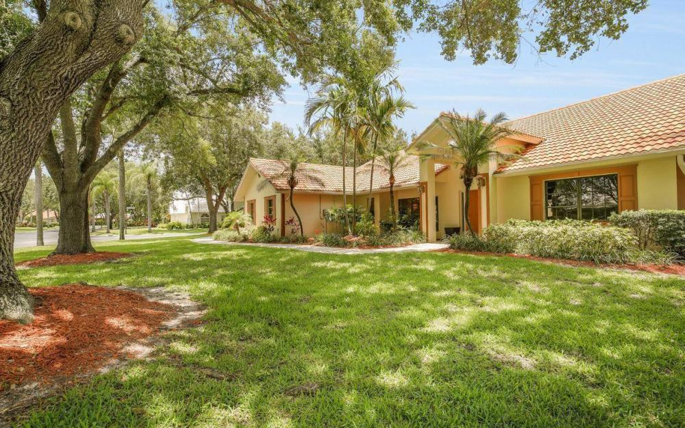 210 Monterey Dr, Naples - Home For Sale 231773801