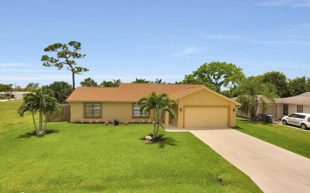 4612 SW 15th Ave, Cape Coral - Home For Sale 640275874