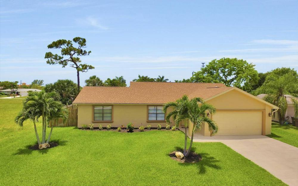 4612 SW 15th Ave, Cape Coral - Home For Sale 113139293