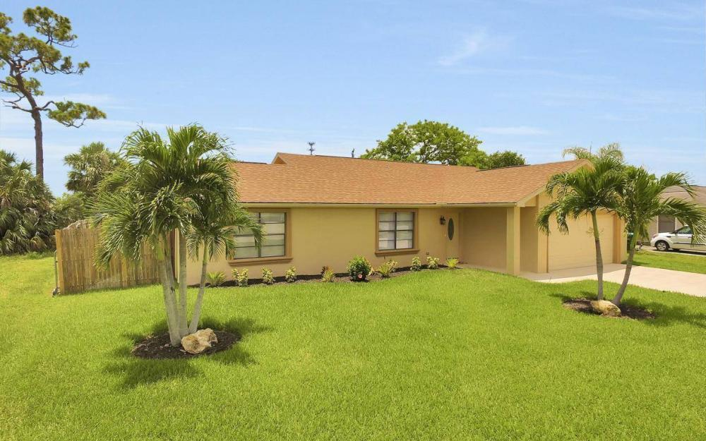4612 SW 15th Ave, Cape Coral - Home For Sale 707251312