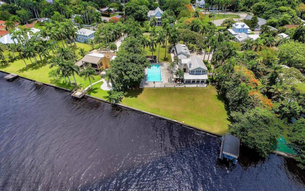 1301 Poinciana Ave, Fort Myers - Estate Home For Sale 417173074