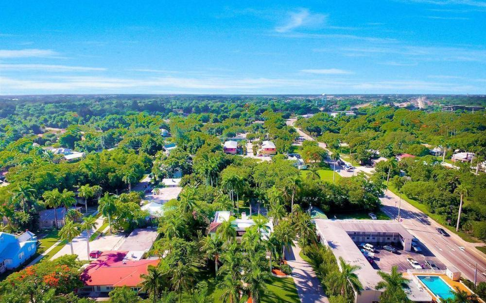 2572 1st St, Fort Myers - Home For Sale 621839674