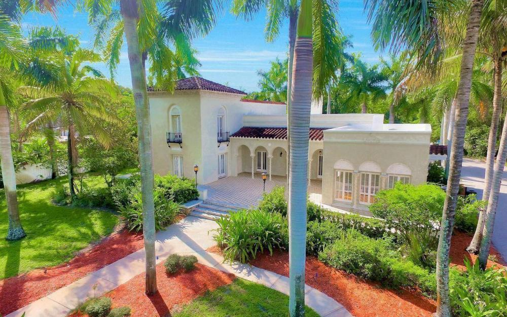 2572 1st St, Fort Myers - Home For Sale 2122098104