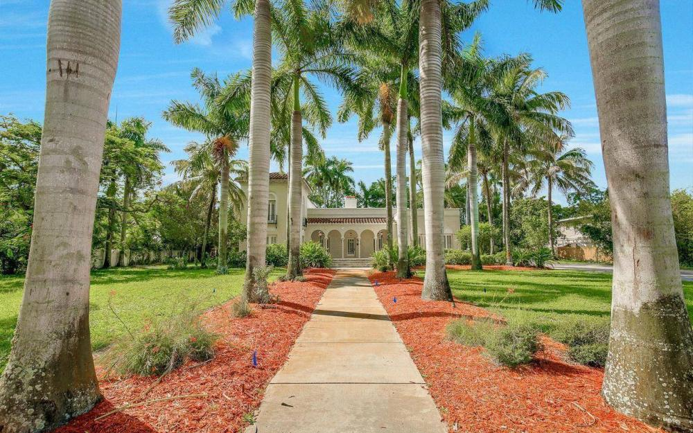 2572 1st St, Fort Myers - Home For Sale 1623484809