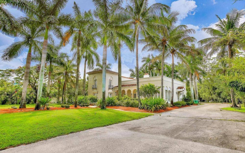 2572 1st St, Fort Myers - Home For Sale 71544668