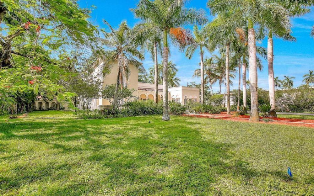 2572 1st St, Fort Myers - Home For Sale 1594012305