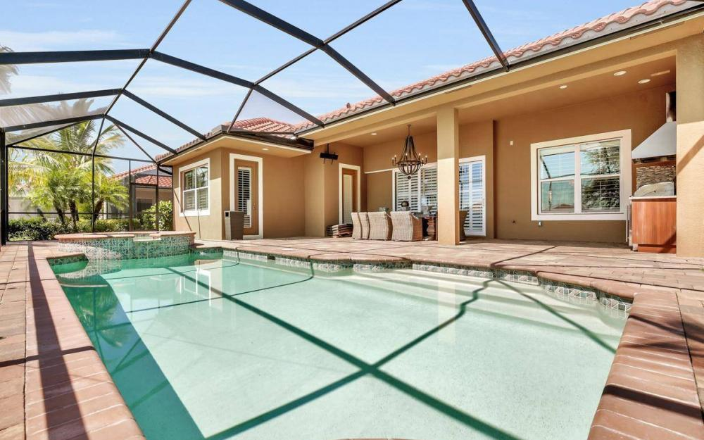 9295 Chiasso Cove Ct, Naples - Home For Sale 86032529