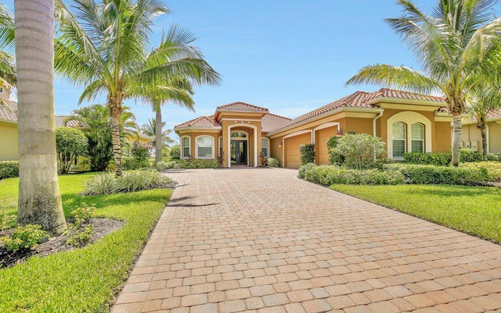 9295 Chiasso Cove Ct, Naples - Home For Sale 1852964137
