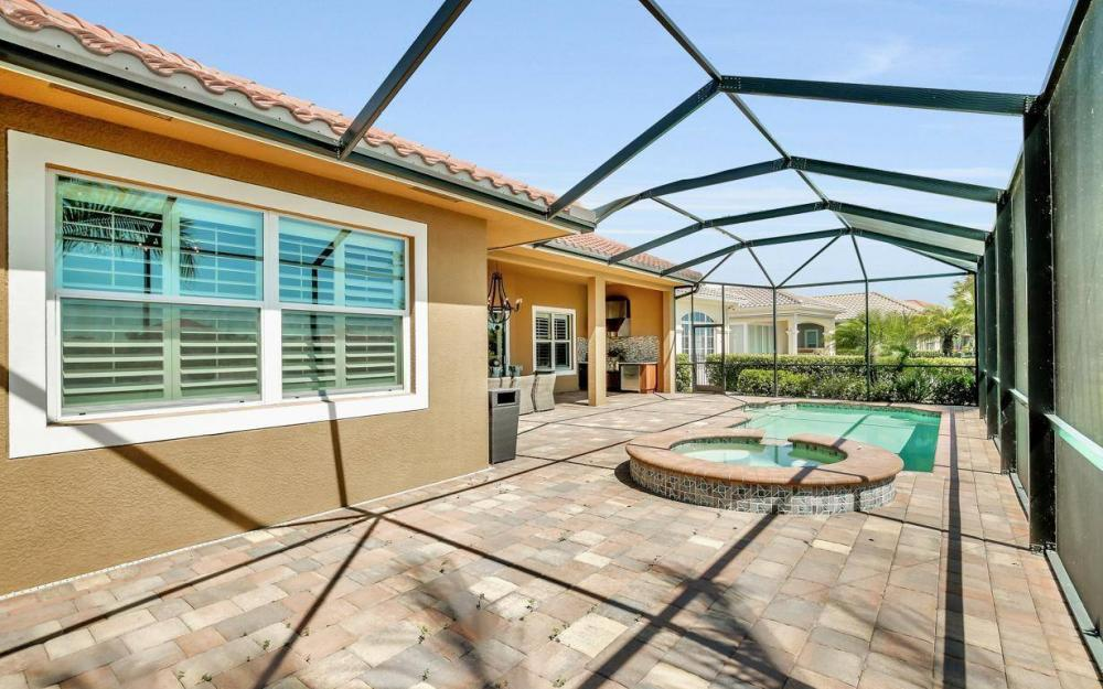 9295 Chiasso Cove Ct, Naples - Home For Sale 550407681