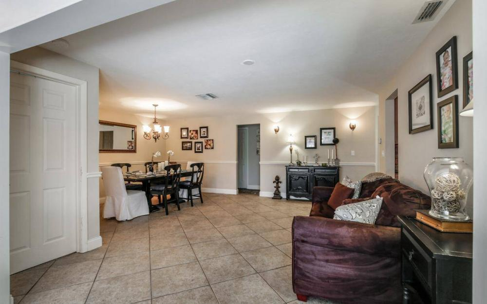 1347 Claret Ct, Fort Myers - Home For Sale 219892021