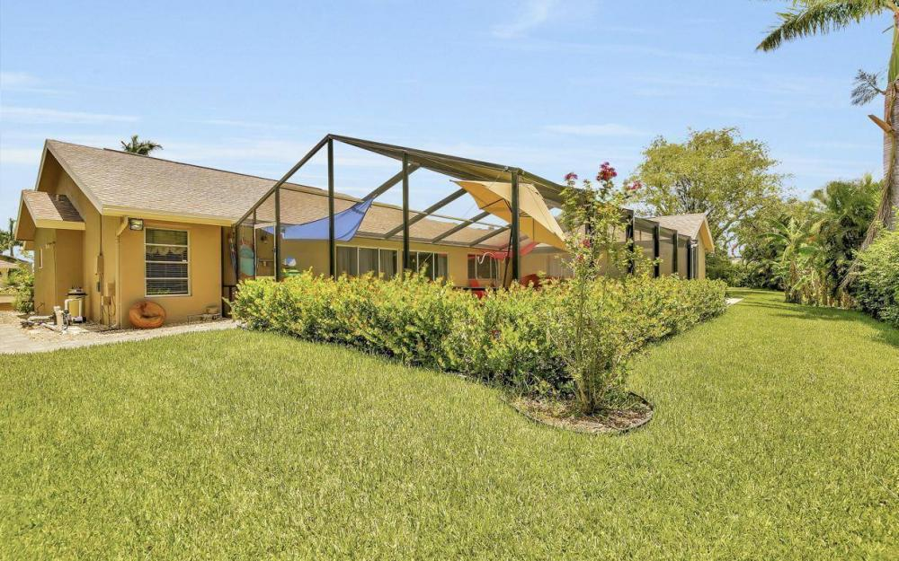 1347 Claret Ct, Fort Myers - Home For Sale 1947986725