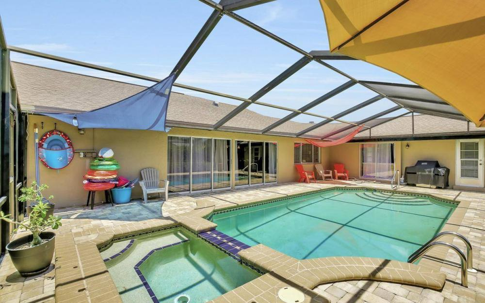 1347 Claret Ct, Fort Myers - Home For Sale 1668462990